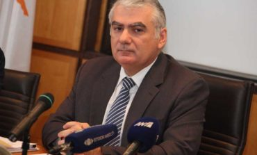 AG says probe must extend to central bankers