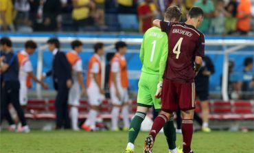Kerzhakov rescues Russia after Akinfeev gaffe