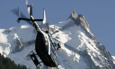 French helicopters to rescue 110 stuck in cable car at over 3,000m