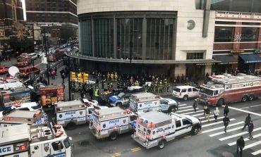 New York City commuter train derails in Brooklyn, over 100 injured (Update 3)