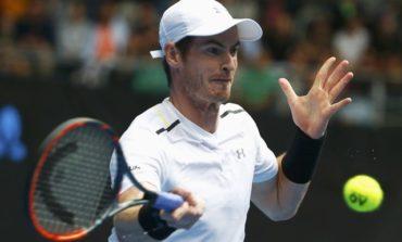 Murray avoids Djokovic fate to reach fourth round