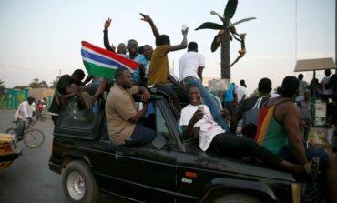 Gambia army chief abandons Jammeh as mediators seek exile deal (Update)