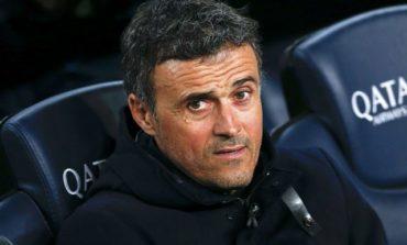 Barca run riot before coach bombshell, Real falter