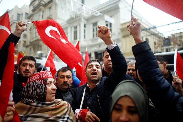 Erdogan says apology from Netherlands not enough, attacks Merkel (Update 2)