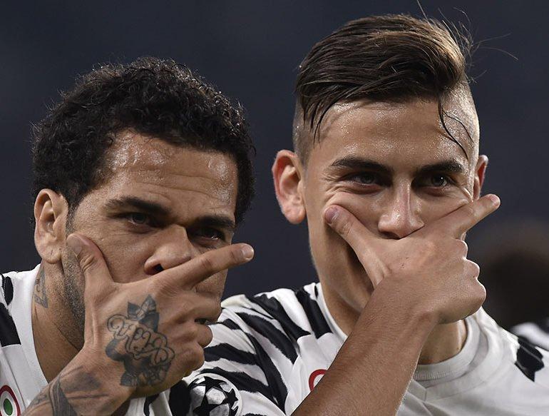 Dybala penalty sends Juve through against 10-man Porto