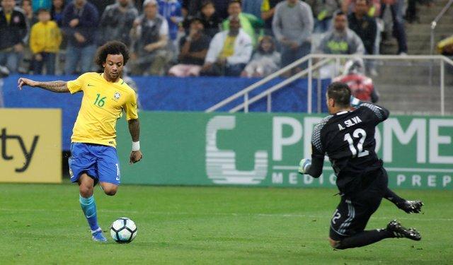 Neymar keeps Brazil ticking, Messi-less Argentina stumbles in La Paz