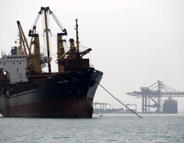 Pirates demand ransom for tanker seized off Somalia