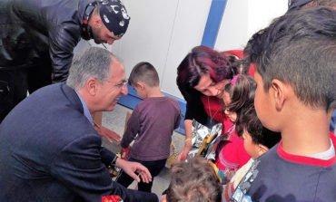 Education minister visits children at Kofinou asylum centre