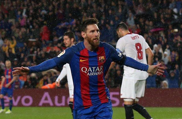 Barca blitz Sevilla, Real stay top