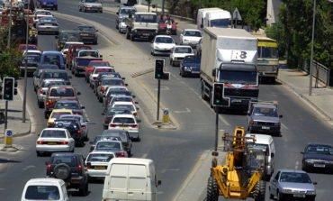 Police investigate car-import fraud