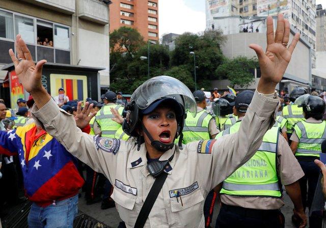 Venezuela drifting towards civil war
