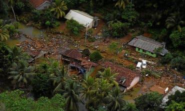 Cyclone wreaks havoc in Bangladesh
