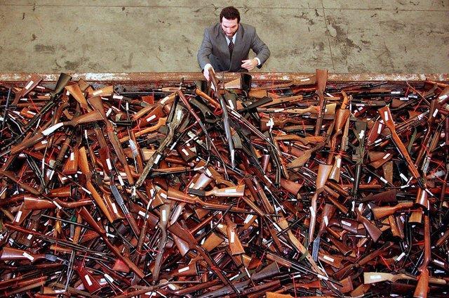 Australia introduces illegal gun amnesty after attacks