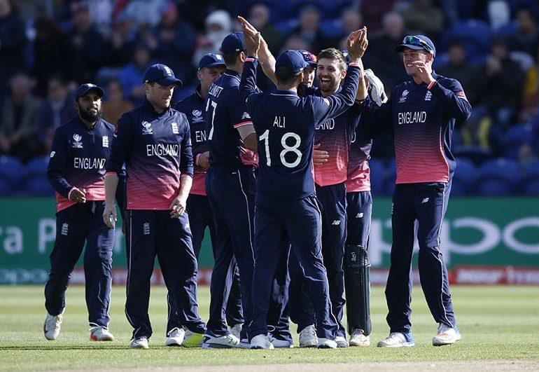 Impressive England secure semi-final spot