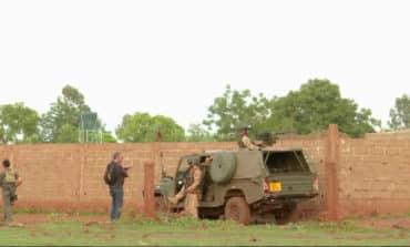 Gunmen attack resort outside Mali's capital, two dead (Update 2)