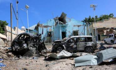 At least 10 killed by car bomb in Somalia's Mogadishu