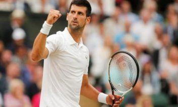 Djokovic eases past Mannarino into last eight