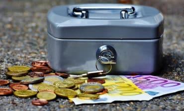 Burglars net €30,000 from stolen safe box
