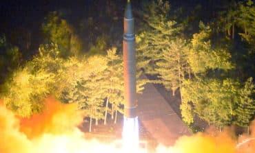 U.S. sanctions N.Korean missile experts, Russia offers to mediate