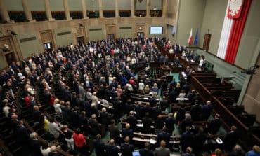 Poland debates bill critics say undermines judiciary