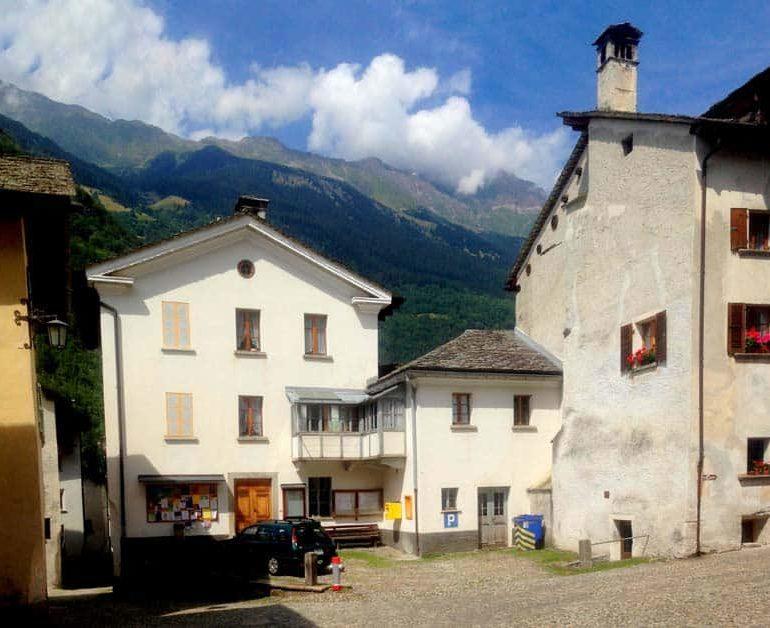 Eight missing in Swiss landslide – police