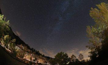 President views Perseid meteor shower from Troodos