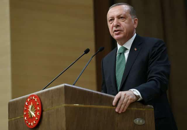 Turkey purges hundreds of civil servants in latest decrees