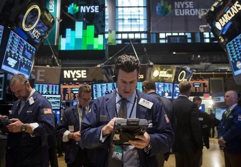 Apple's stock surge takes Dow beyond 22,000