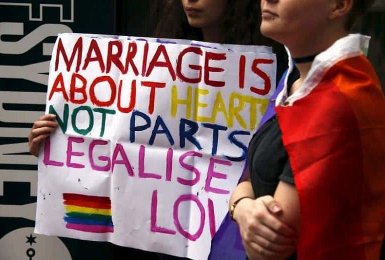 Australia seeks to resolve gay marriage debate this year