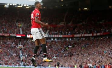 United subs Rashford, Fellaini sink Leicester