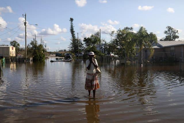 Returning Florida evacuees stunned by Irma's wreckage