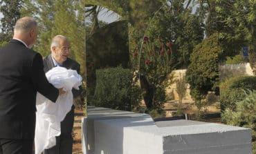 Sculpture of mirrors reflects divided island, says Austrian ambassador