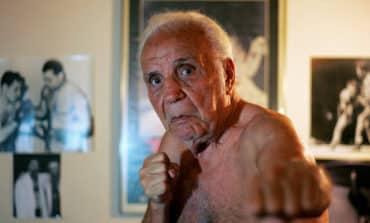 Jake LaMotta, boxing's 'Raging Bull,' dies in his 90s