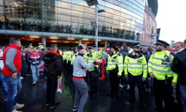 Arsenal win after crowd trouble [video] , Silva fires Milan to victory