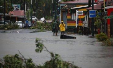 Hurricane Maria hits Dominica, heads for Virgin Islands (Update 3)