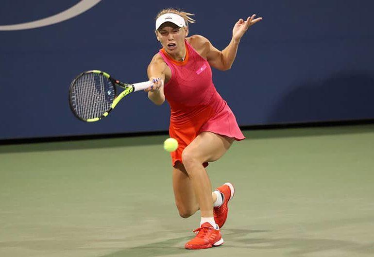 Wozniacki stuns Muguruza, advances to Tokyo final