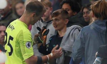 West Ham beat Huddersfield 2-0
