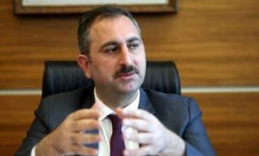 Turkey urges US to reverse visa suspension