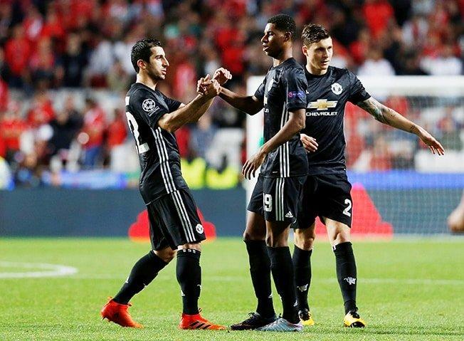 Freak Rashford goal gives Man United win at Benfica