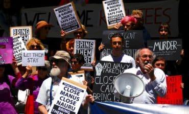 Tensions rise as Australia dismantles detention centre (Update)