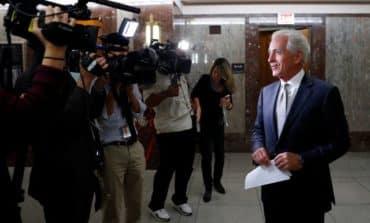 Trump, key Republican US senator spar ahead of tax meeting