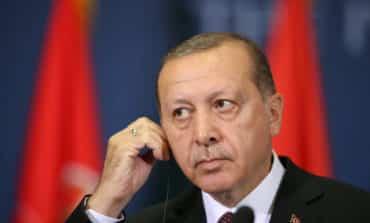 Erdogan blames US envoy for diplomatic crisis