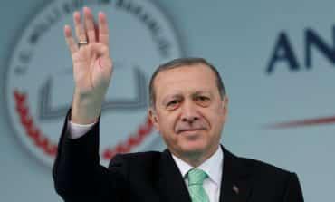Erdogan calls on mayors to resign