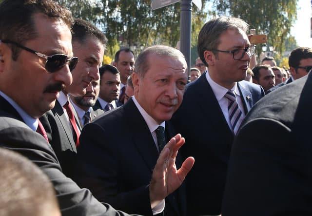 Erdogan gets warm welcome in mainly Muslim Serbian town