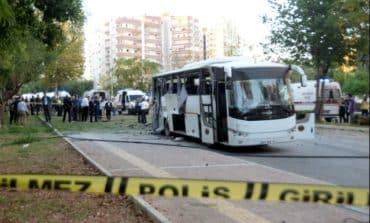 Eighteen injured in bomb attack on police vehicle in Turkey
