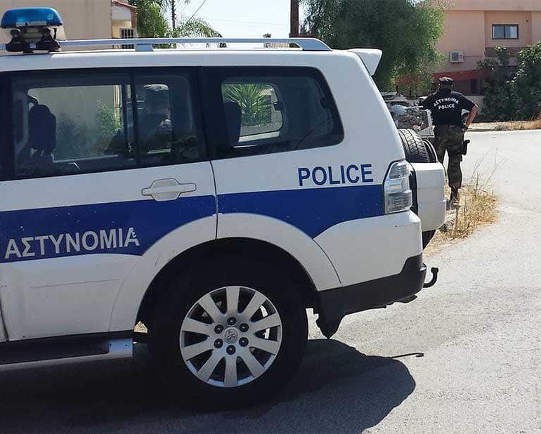 Police warn of Limassol bag snatchers