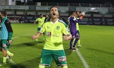 Leaders AEK take on unbeaten Apollon