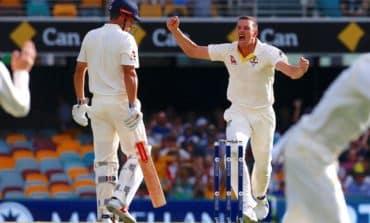 Centurion Smith ushers Australia to safety