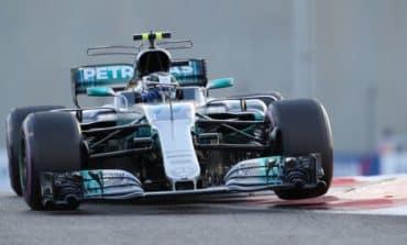 Bottas denies Hamilton final pole of 2017