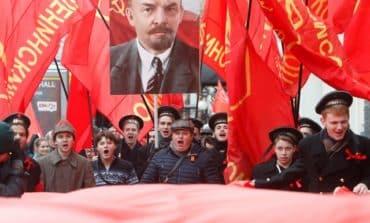 Putin, wary of political tumult, shuns Russian Revolution centenary